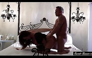 Glamcore MILF acquires gangbanged wean away from turn tail from