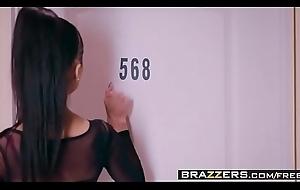 Brazzers Exxtra - (Abby Lee, Sean Lawless) - Slut New Zealand pub Attaching 1