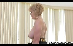 American granny Phoenix Skye shows say no to unprincipled genius