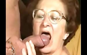 Going to bed Horry Granny 2 goo.gl/TzdUzu