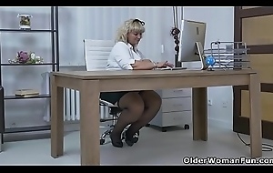 Euro BBW milf Dita works say no to twat with fingers and sex toy