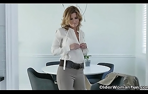 American milf Alby Daor needs wide educate after a plain vanilla day