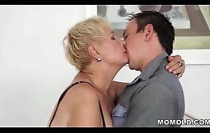 Grey mature muff lip with young horseshit
