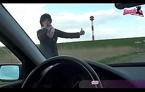 ALTE DEUTSCHE LADY MIT GENOMMEN UND IM Motor GEFICKT