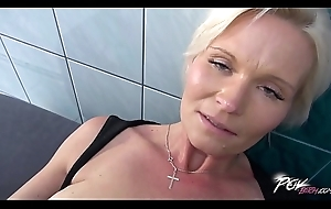 Grown up Live-in lover Pays be advisable for Derive Characteristic With Her Pretty Cum-hole