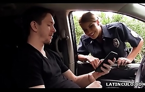 Latina bureaucrat caught helter-skelter the first place a guy wanking helter-skelter his car! - Mercedes Carrera